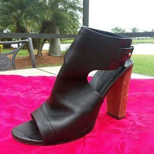 Vince Black Heels size 10 womens